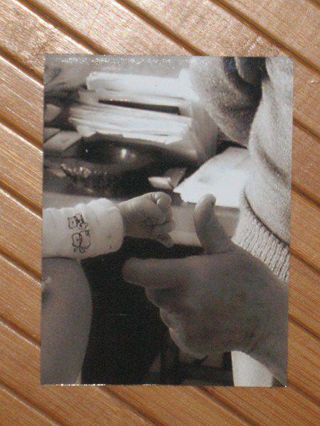 """5 euros pièce - 9 x 13 cm. Adhèrent sur toutes surfaces métalliques : micro-ondes, frigo, tableaux, cadres... Pour une commande similaire ou personnalisée, utilisez la rubrique """"contact"""" en haut de ce site ou celle du nouveau : http://www.lalutiniere.com/me-contacter-a112994344"""