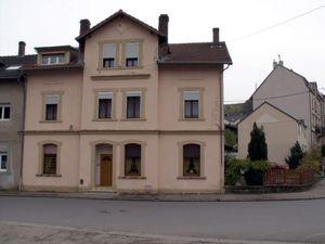 N° 45 rue Jean Burger à Algrange - Café-restaurant - Habitations