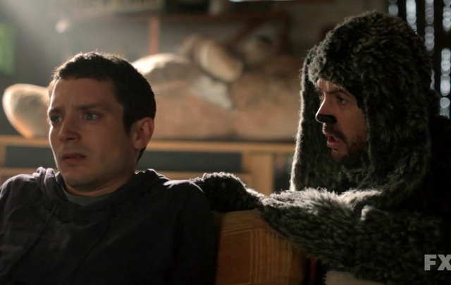 Critiques Séries : Wilfred US. Saison 2. Episode 11. Questions.
