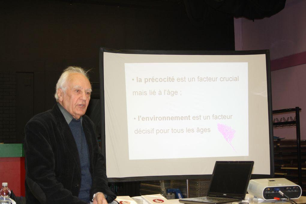Réunion-débat autour du Pr Gilbert Dalgalian, au CSC du bourg de Saint-Herblain, le 24 janvier 2011.