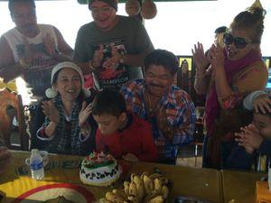 Je viens d'avoir 8 ans à Houay Xai au Laos