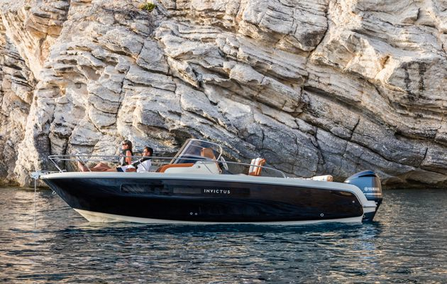 Yachting - Partnership between Yamaha Marine and Invictus Yacht