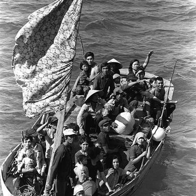 ''Un sourire sur ton visage'' CHAPITRE 1 Fille de boat-people