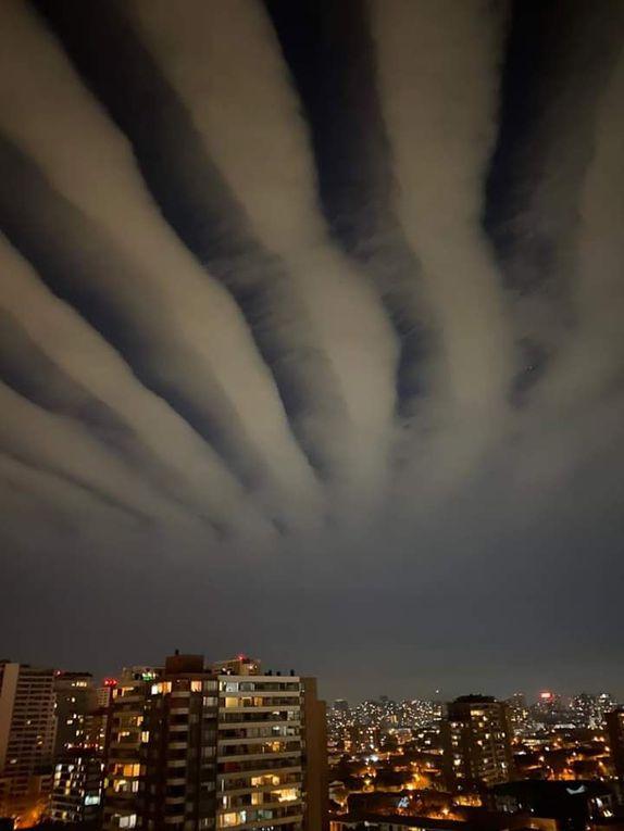 Ciel de Santiago du Chili le 8 juillet 2020