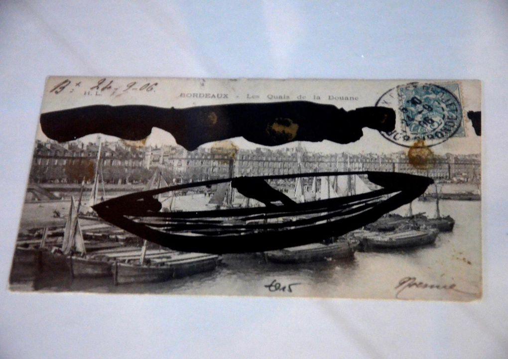 2 encres sous verre encadrées et série encre sur carte postale sous verre encadrée (vitrine)