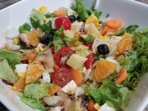 Salade paysanne, chèvre et clémentine