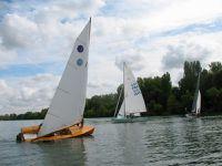 11 bateaux sur l'eau