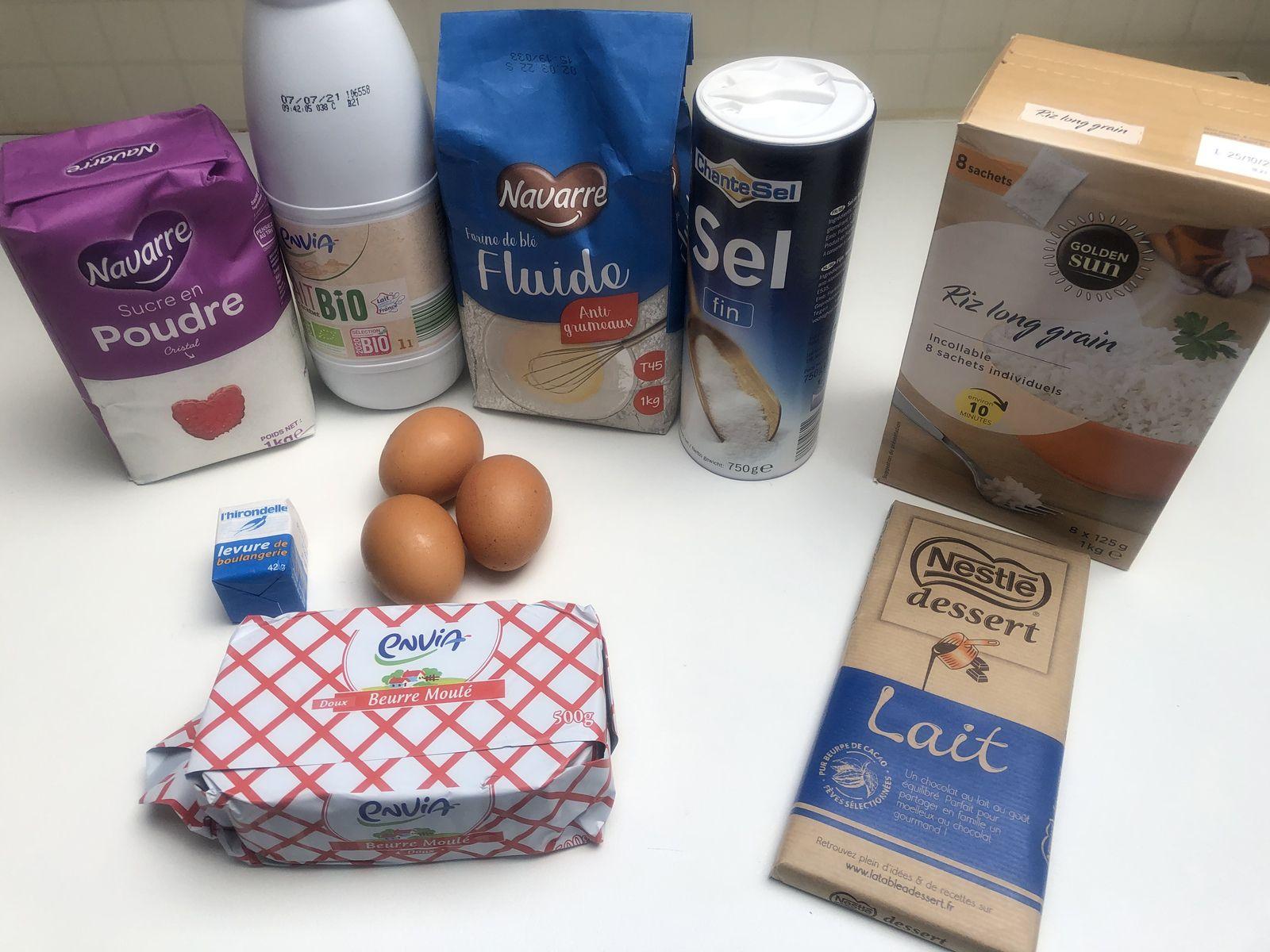 Pains au lait maison et barres chocolat riz soufflé