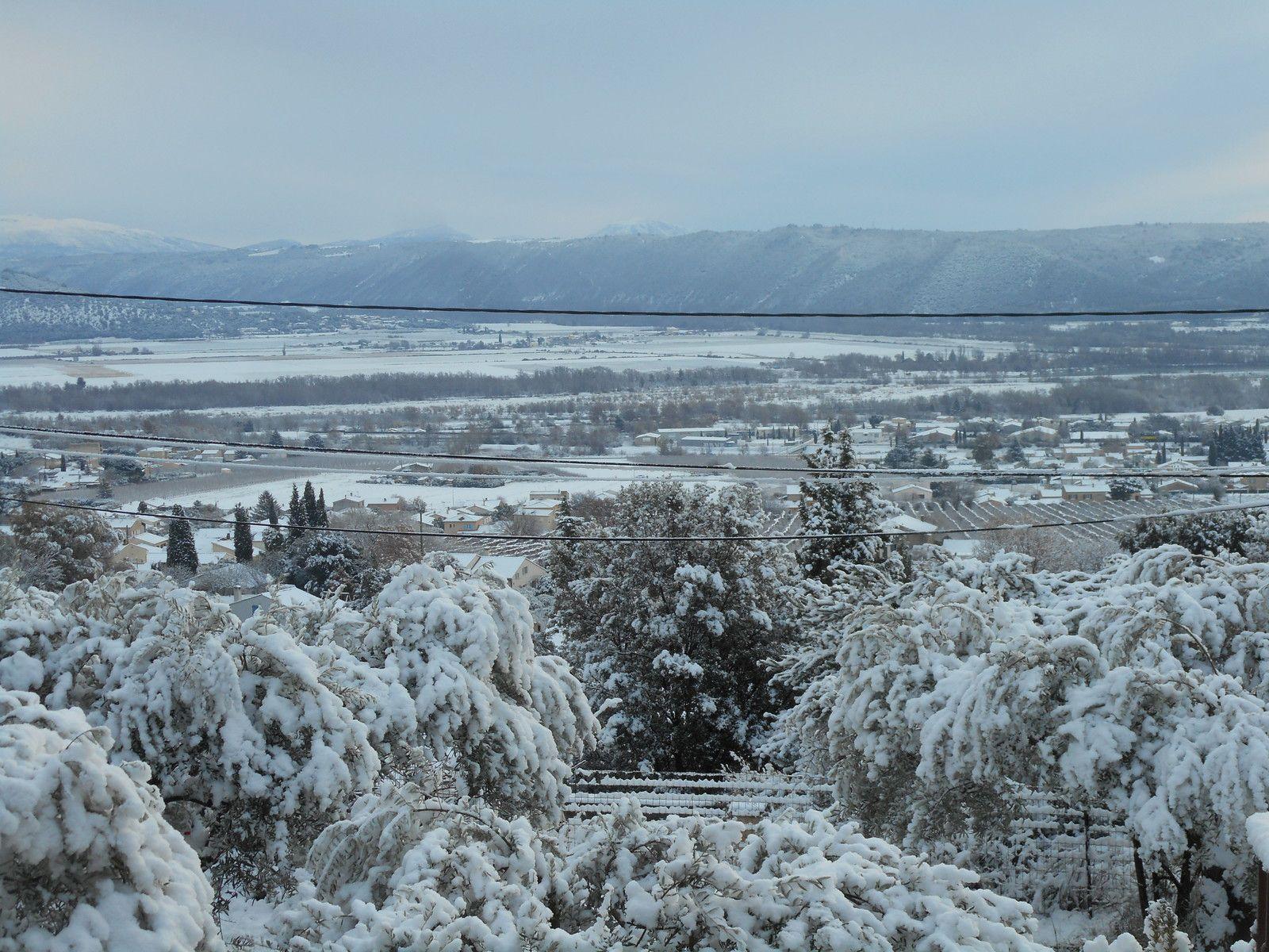 Villeneuve sous la neige