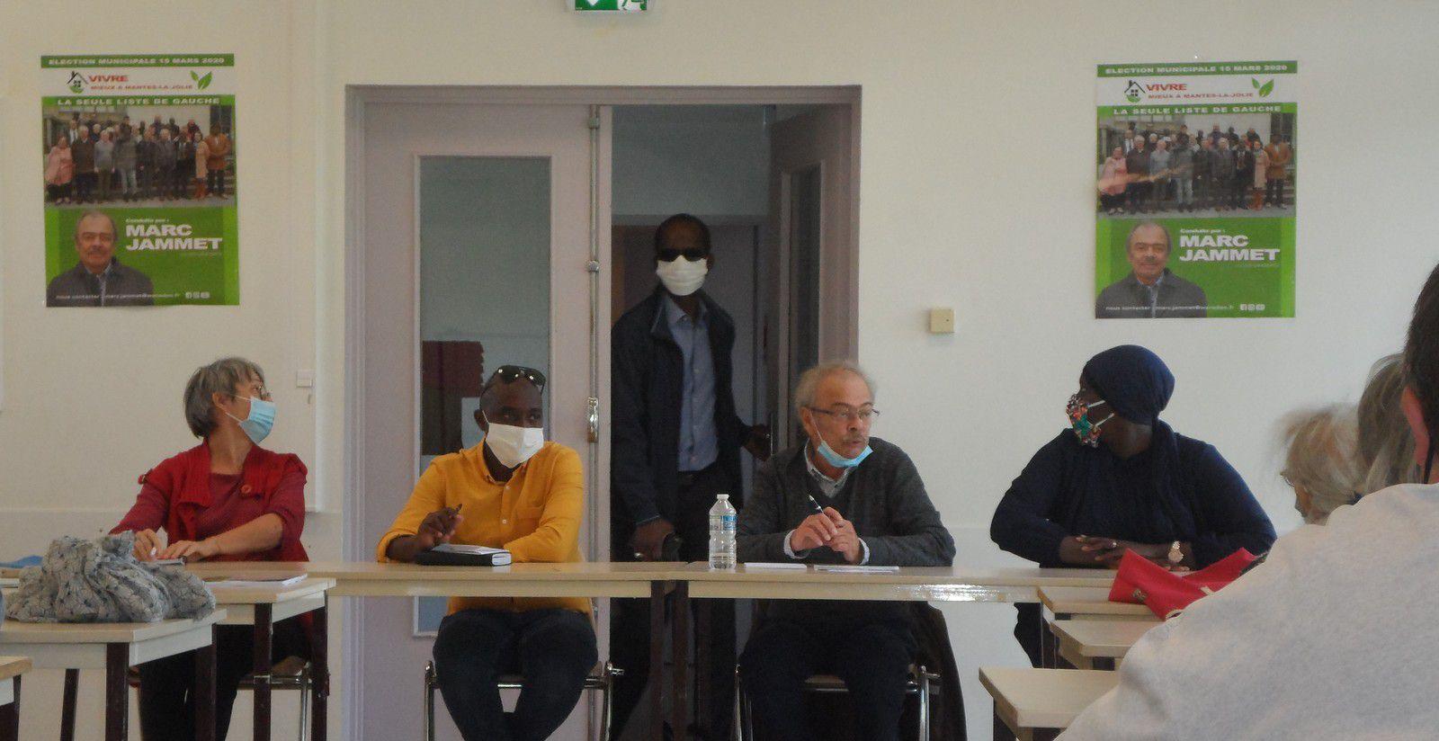 Réunion publique Vivre Mieux à Mantes-la-Jolie. Le désert médical !