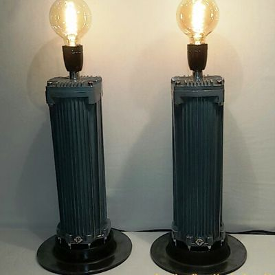 """ The Twin Towers of Manhattan "" - lampes industrielles tendance chic - 255 euros"