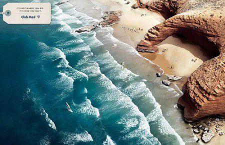publicité Club Med des visages dans les vagues