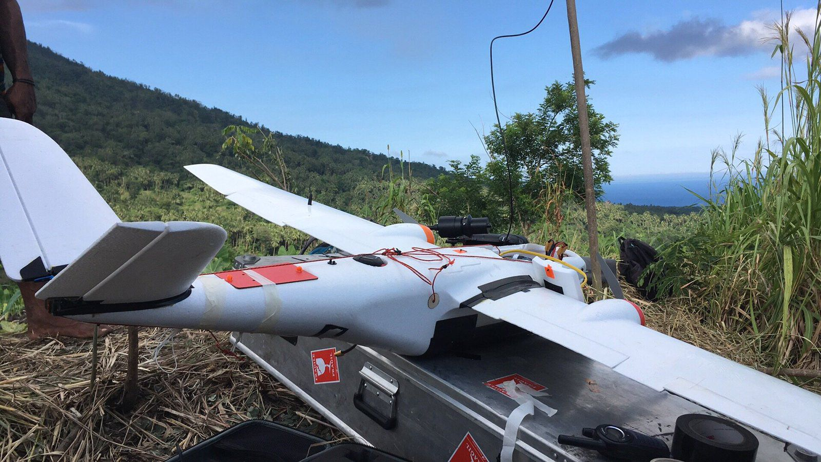 Manam - equipment of the drone for multigas measurements - photo E.Liu 05.2019