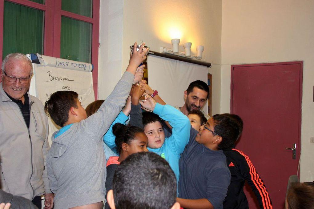Diaporama : La remise de la Coupe à l'équipe de la Deymarde vice-championne de Vaucluse !