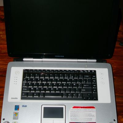 Portable toshiba satellite P20