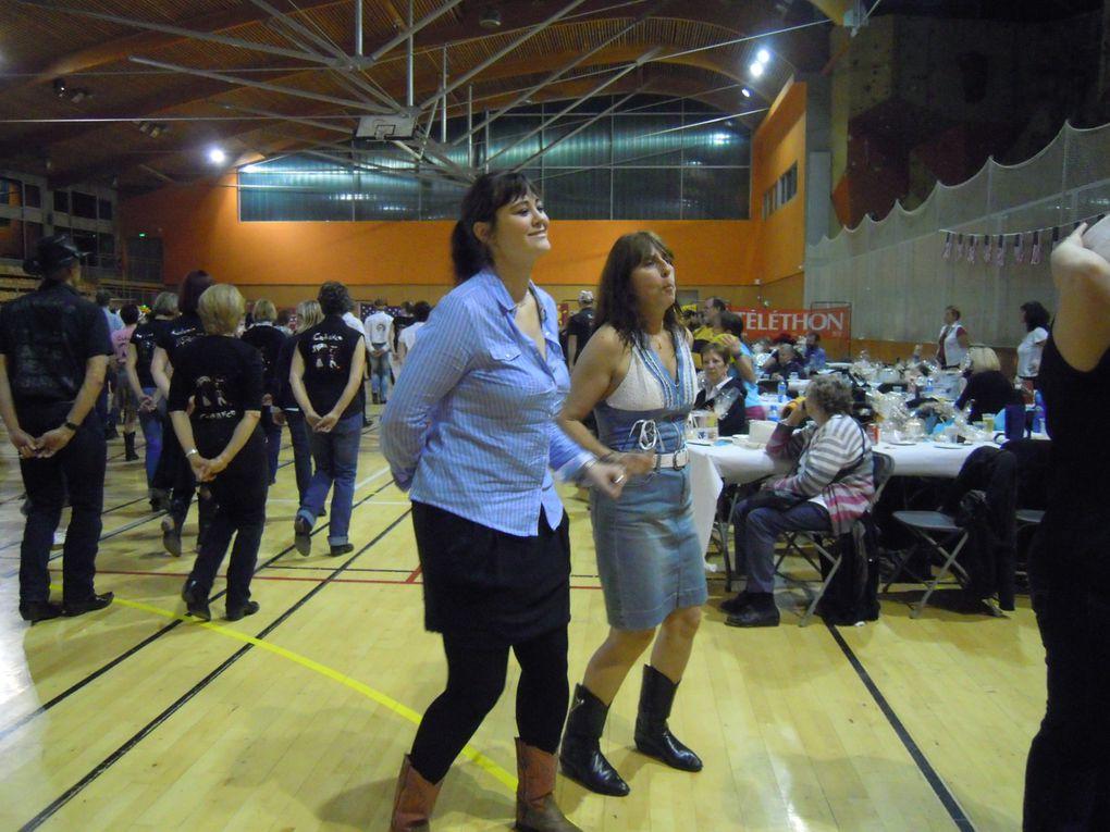 Le Bal du TELETHON organisé par Nadine et les CRAZY BOOTS COUNTRY, animé par Brigitte et CADANCE