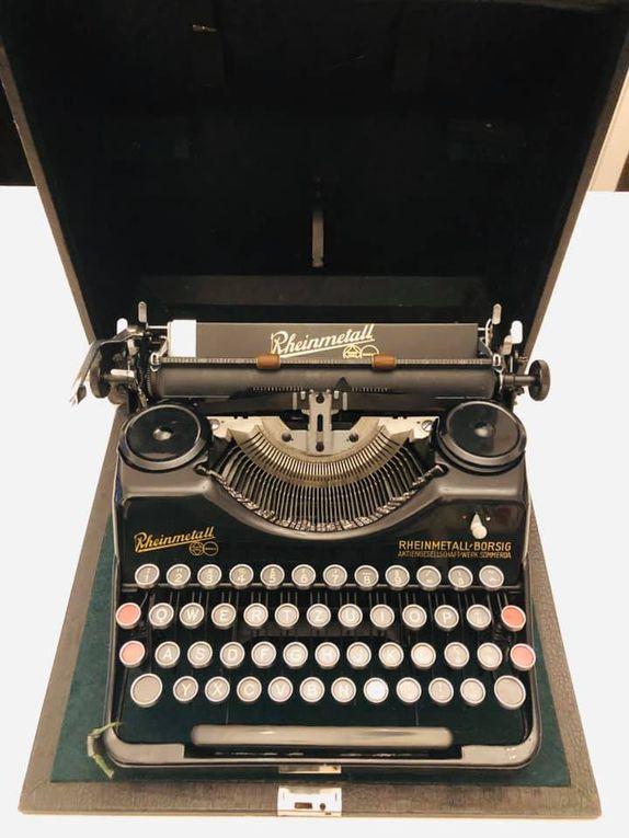 Ancienne Machine à écrire Rheinmetall-Borsig portable