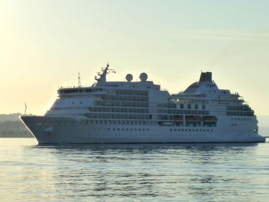 SEVEN  SEAS NAVIGATOR , arrivant à Toulon le 09 juillet 2016