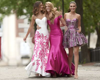 How To Make An Entrance With Evening Dresses