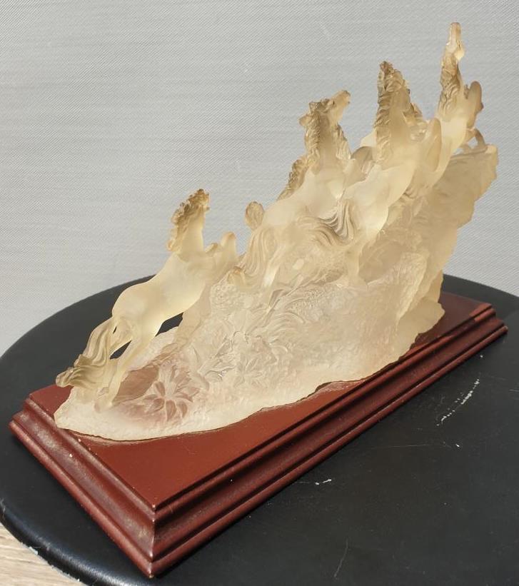 Sculpture chevaux vintage Suanti Galleries - 30 euros