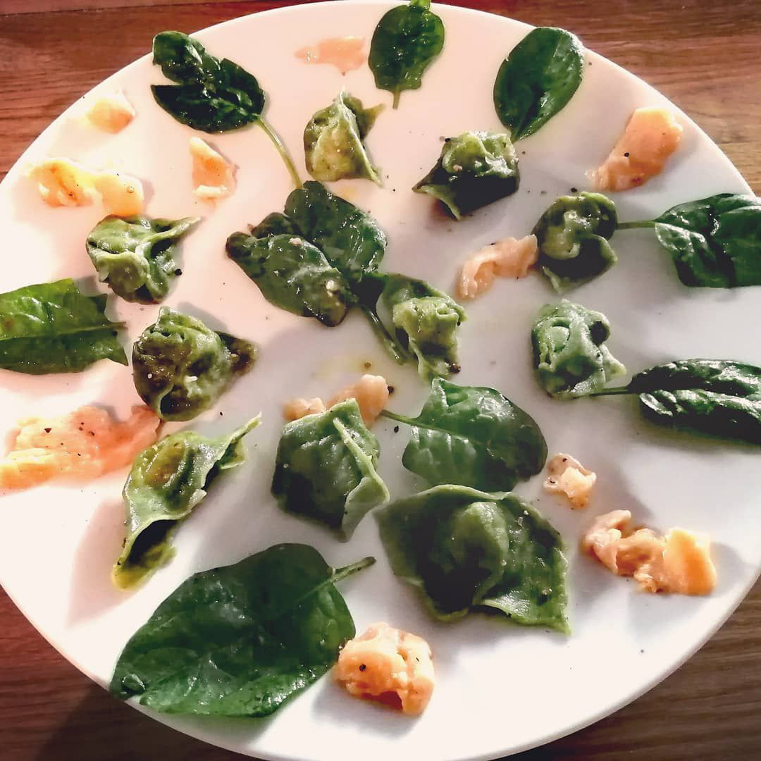 Recette de raviolis aux épinards, saumon et parmesan