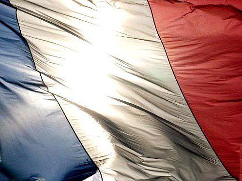 Dernier sondage BVA : Hollande largement en tête, Le Pen descend.