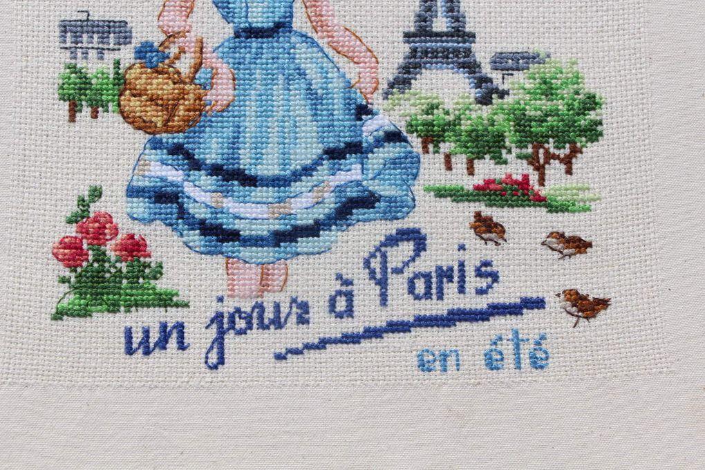"""Torchon """"Un jour à Paris en hiver"""" et """"en été"""" des Brodeuses Parisiennes"""