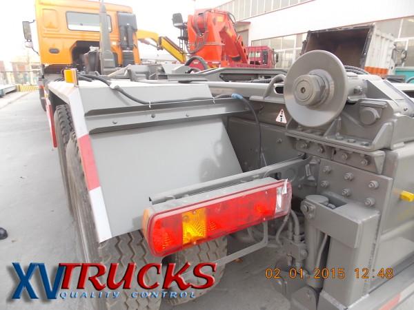Ampliroll - Hook lift  Systeme de levage Bras Hydraulique pour levage et depose conteneur .Camions Sinotruk Howo -Sitrak - Foton - Faw - Porteurs - 4x2 - 6x2 - 6x4 - 8X4 -  Caisson compacteur  OM mobile .: info@xvtrucks.com