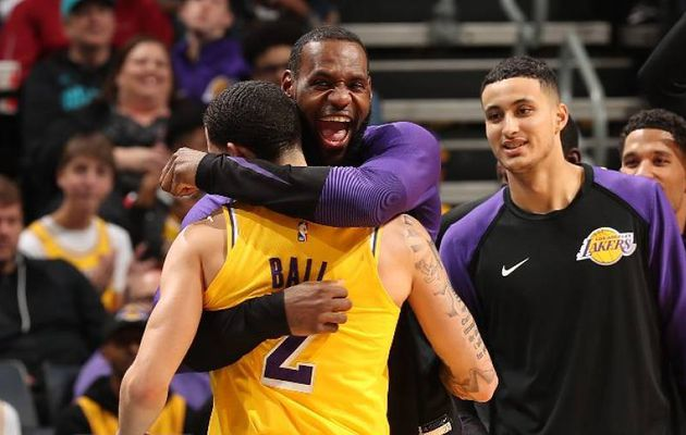 LeBron James et Lonzo Ball en triple-double à Charlotte