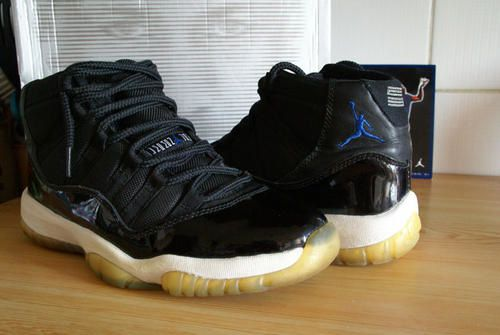 Nike Air Jordan XI Space Jam