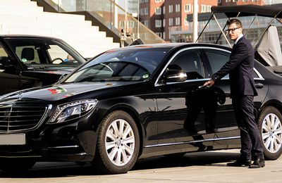 3 Things to Consider Before You Hire Personal Chauffeur Service