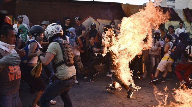Scène de lynchage au Vénézuella.
