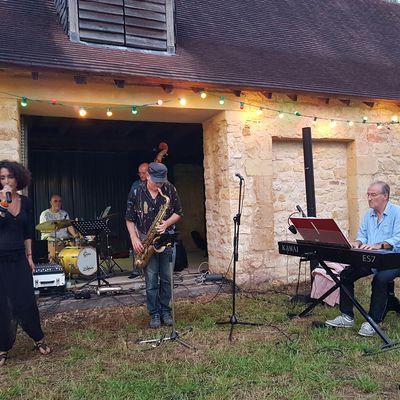BELLE SOIREE FESTIVE AU MOULIN DE LA BAYSSE AVEC LE 5 à 7 Quartet Jazz