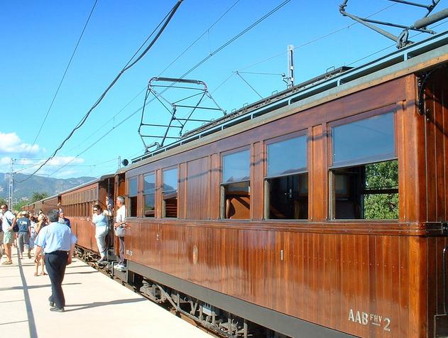 Pour rentrer  : bateau, tramway puis train !