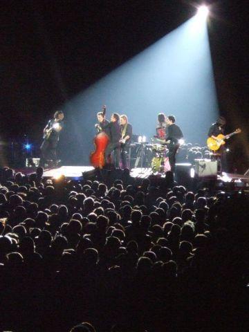 Deuxième date du TOUR 66 en 2009 : le stade de France. retouves mes émotions sur http://www.obiwi.fr/culture/musiques/82256-johnny-hallyday-le-stade-de-france-chavire-entre-feu-et-larmes