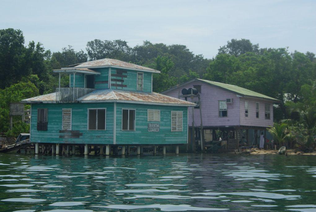 les iles de la baie sont au large du honduras puerto escondido est une baie de la cote