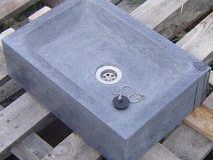 Eviers, receveurs de douche, seuils, vasques, cheminées, gravure, stèles, ...