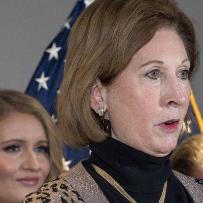 Sidney Powell lance une action en justice pour faire annuler 412 000 votes en Arizona