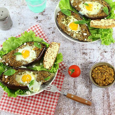 Egg Boats Aubergines et Pesto Rosso