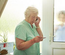 Les seniors victimes d'une vague d'arnaques téléphoniques