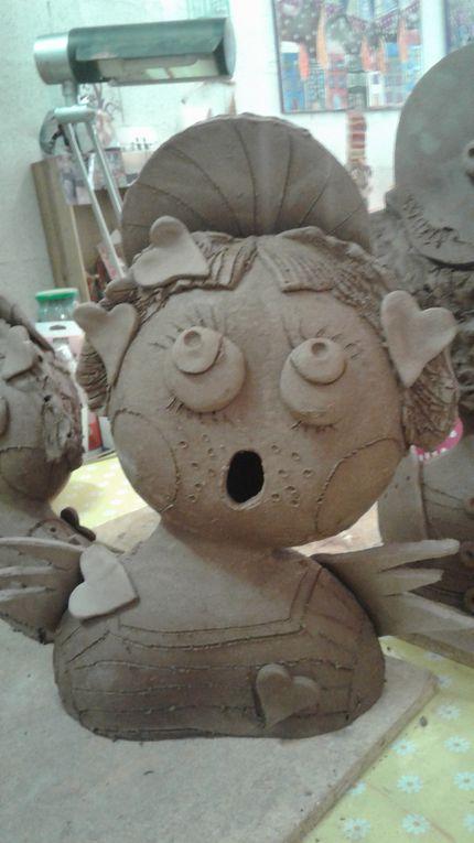 Le avant pendant après des sculptures en grès d'Aneth
