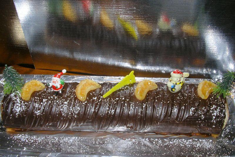 bûche crème de marrons/ mascarpone/chocolat/ clémentines