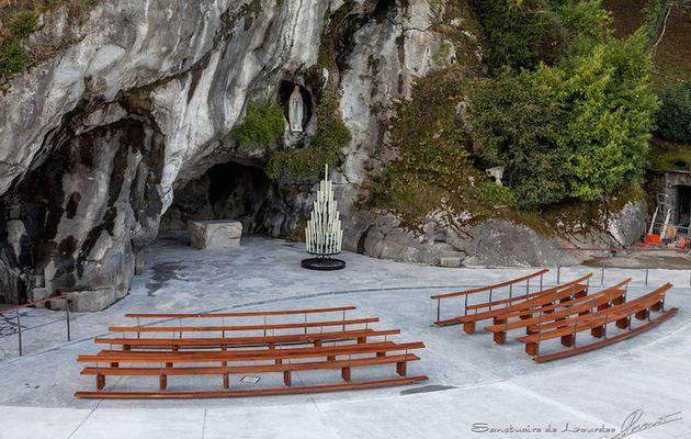 «Tu vas à Lourdes?»  «Mais qu'est-ce que tu vas faire là-bas?»