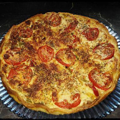 Tarte au thon, poivrons & tomates