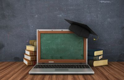 HOW TO CREATE WEBINARS THAT BOTH EDUCATE AND SELL?