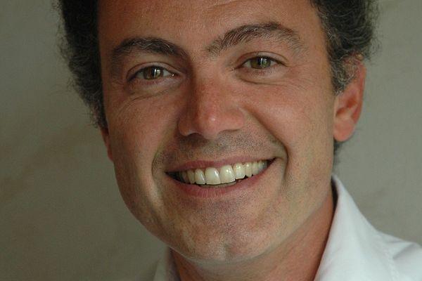 Philippe Hayat : et si on faisait déjà bouger les lignes au lieu de tout attendre des politiques ?