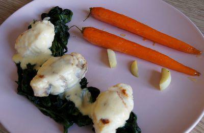 Lotte rotie au thym, beurre blanc, épinards et carottes glacées