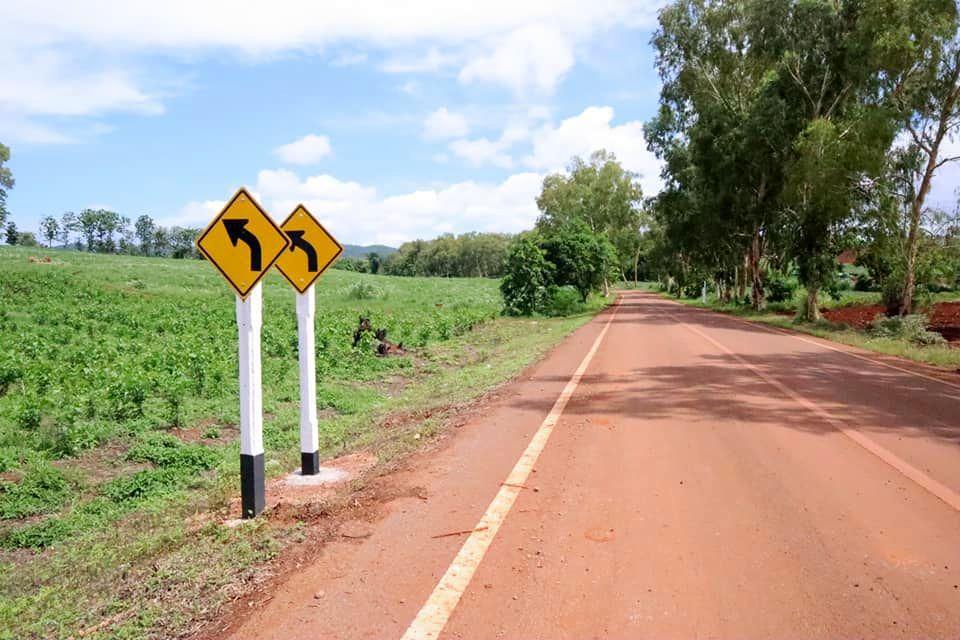 Deux panneaux pour le prix d'un ! - Vu sur la route (20-07)