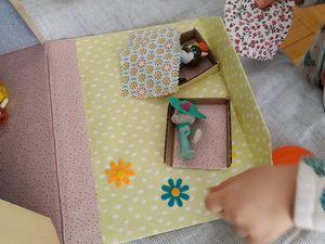 Mini maison jeu en carton