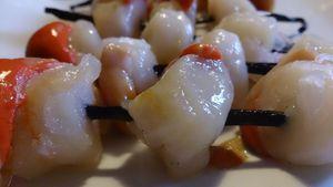 Brochettes de noix de St Jacques sur gousses de vanille